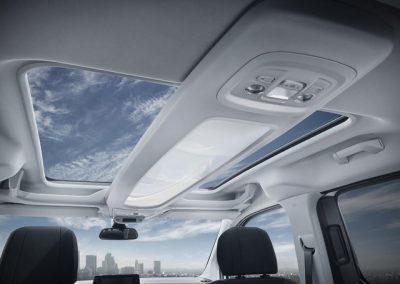 neuer-peugeot-rifter-panorama-glasdach.381941.17